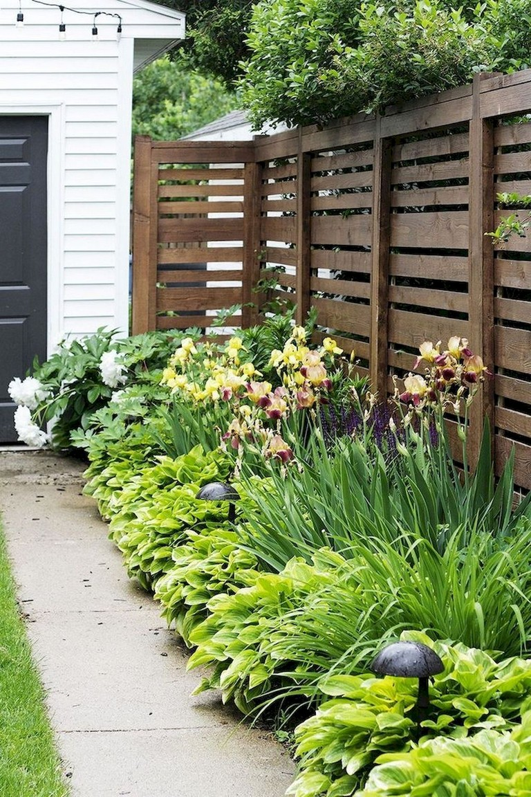 45+ Simple and Cheap Privacy Fence Design Ideas - Page 7 of 47